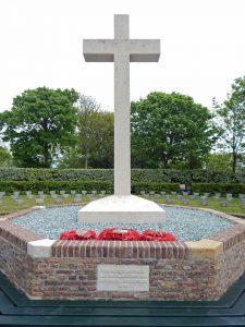 Gedenkstätte für die Toten des 2. Weltkriegs hinter dem Leuchtturm Westkapelle