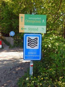 Schild Wasserschutzgebiet am Naturschutzgebiet Oranjezon auf Walcheren, Oostkapelle