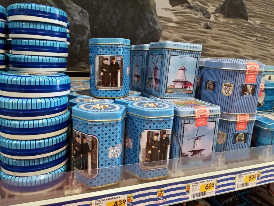 Zeeuwse Roomboter Babbelaars in unterschioedlichen Verkaufsboxen