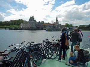 Auf der Fahrradfähre von Veere nach Kamperland