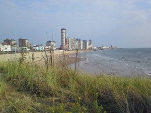 Boulevard von Vlissingen mit Strand im Vordergrund