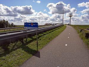 Zufahrt Zeelandbrücke bei Zierikzee