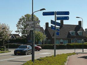 Mit dem Auto in Zeeland: Kreuzung in Grijpskerke
