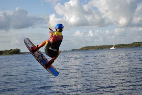 Tipp von Fynn: Wakeboarden in Arnemuiden bei Wassersport De Arne